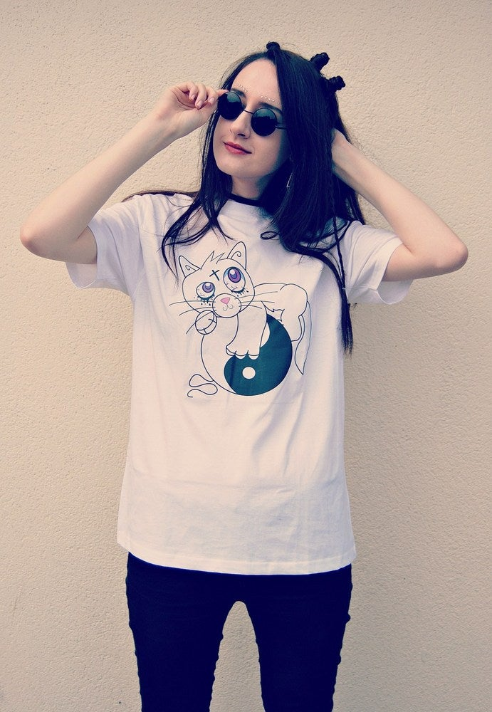 Image of Creepy Cat (Neko) T-shirt