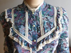 Image of Vintage Flower Print Ruffle Blouse Sz M