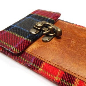Image of Smartphone wallet - red, black and blue plaid