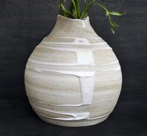 Image of vanilla drip vase