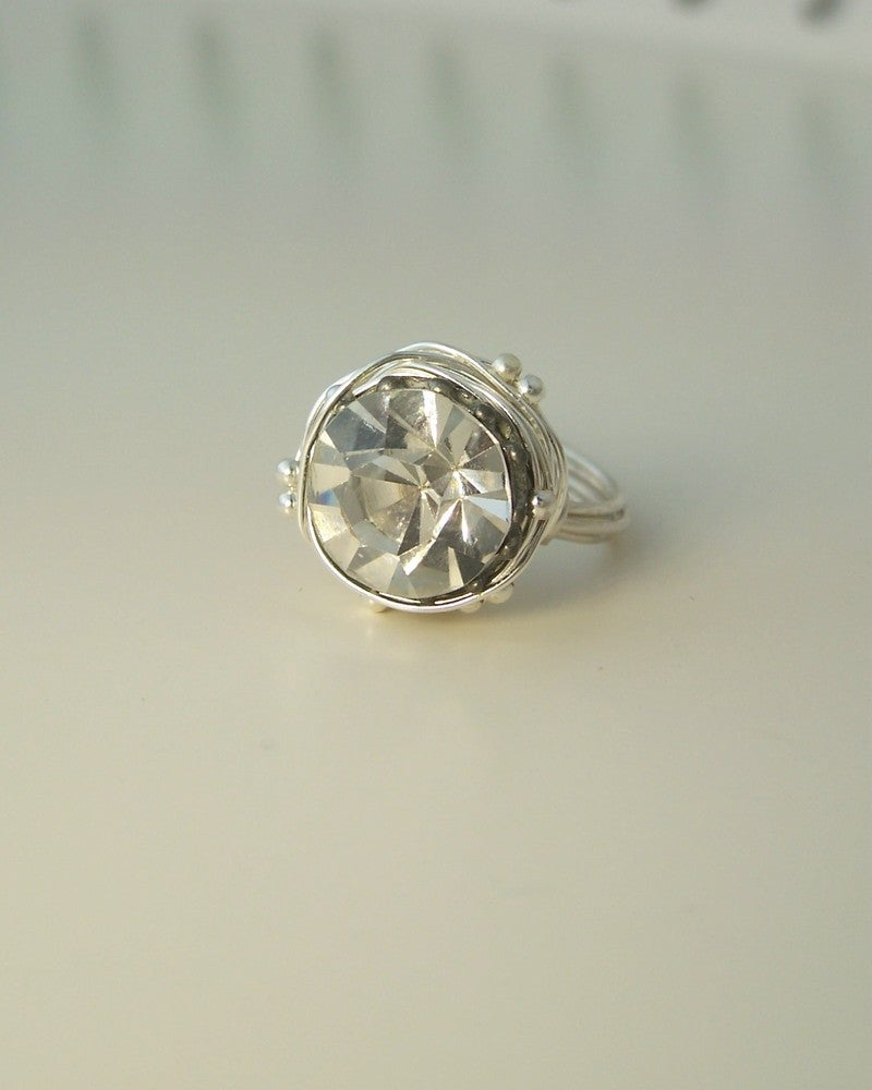 """Image of """"The Leading Role in silver"""" vintage button ring"""