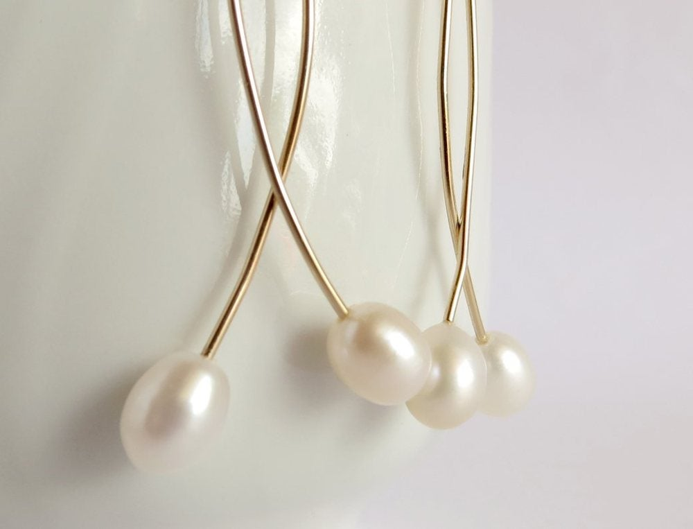 Image of White pearl doubles earrings - Momi Twins