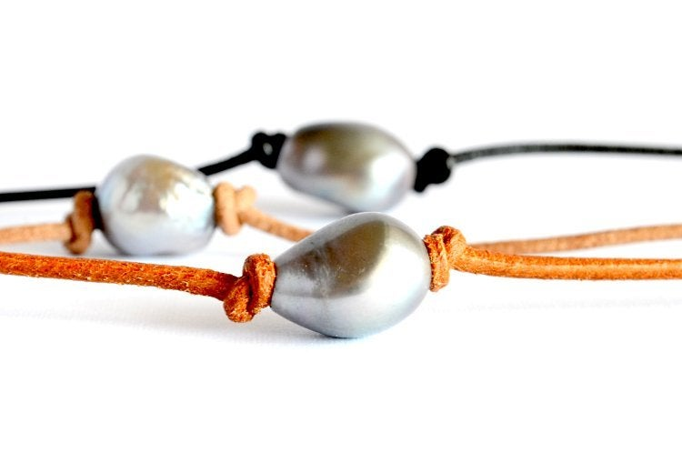 Image of Freshwater pearl and leather necklace - Momi Rustic