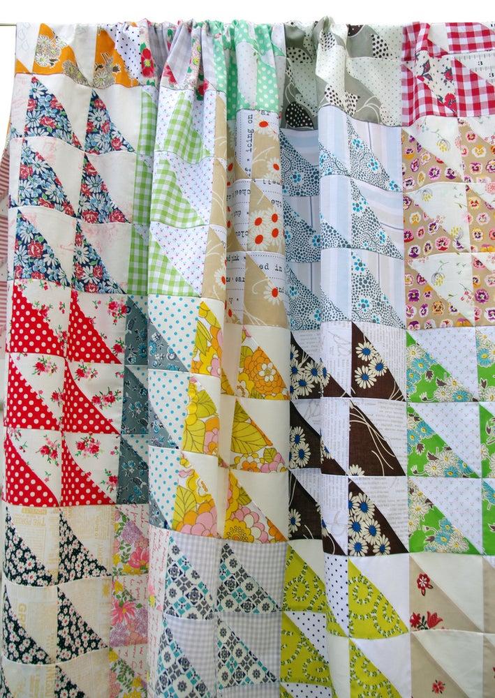 Image of Retro HST Quilt Pattern