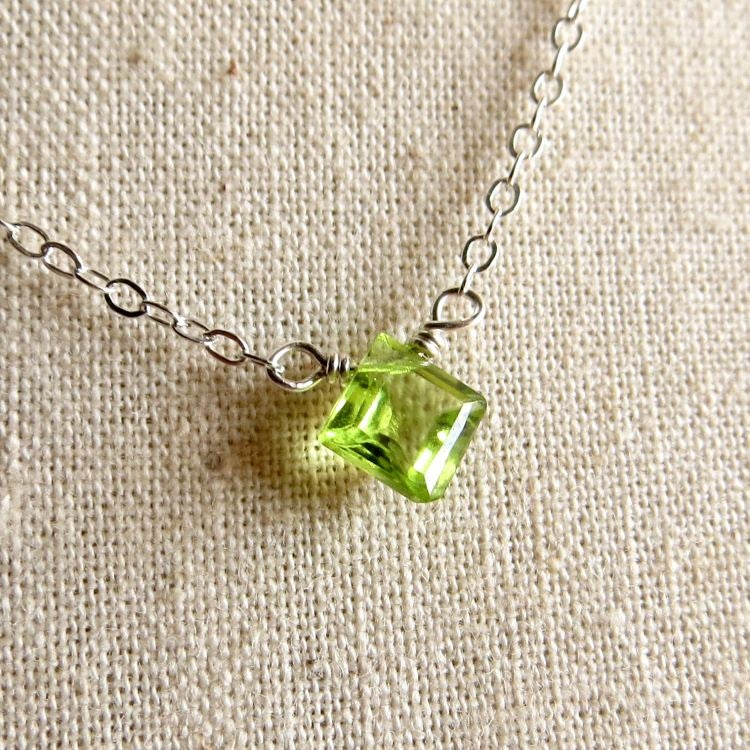 Image of Peridot solitaire necklace - Poki Lime Square
