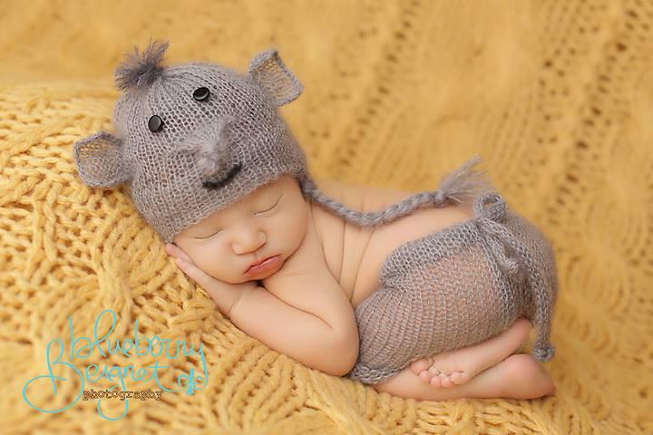 Image of Little Elephant Hat/Short Set