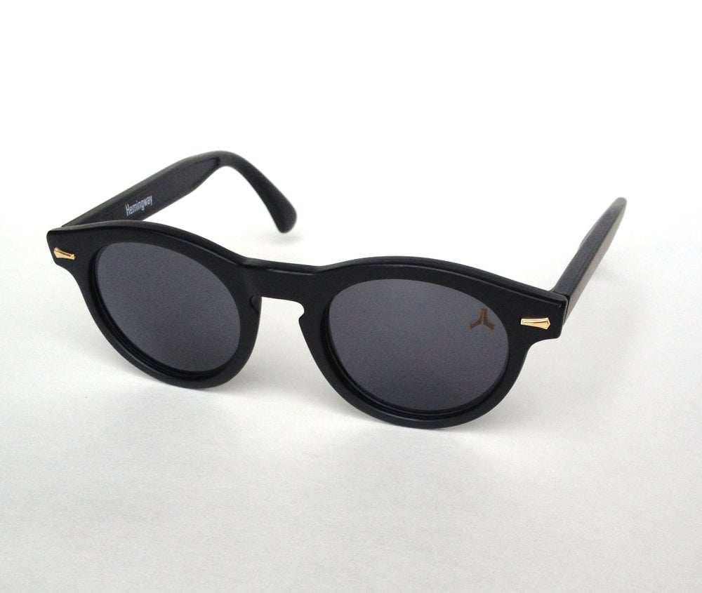 Image of Hemingway - drastic black / polarized
