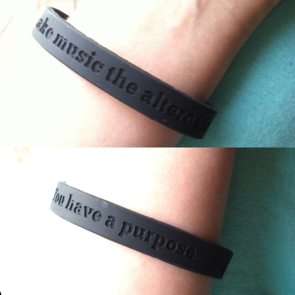 How to Make a Wristband
