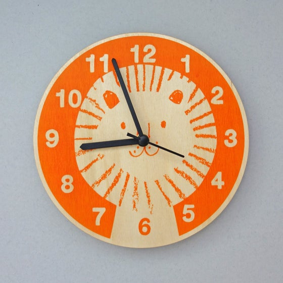 Image of Silent Wall Clock   Lion