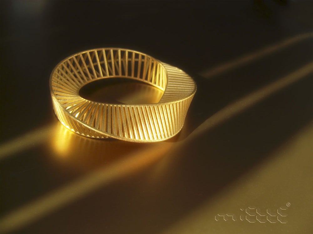 Image of Mobius Bracelet Gold