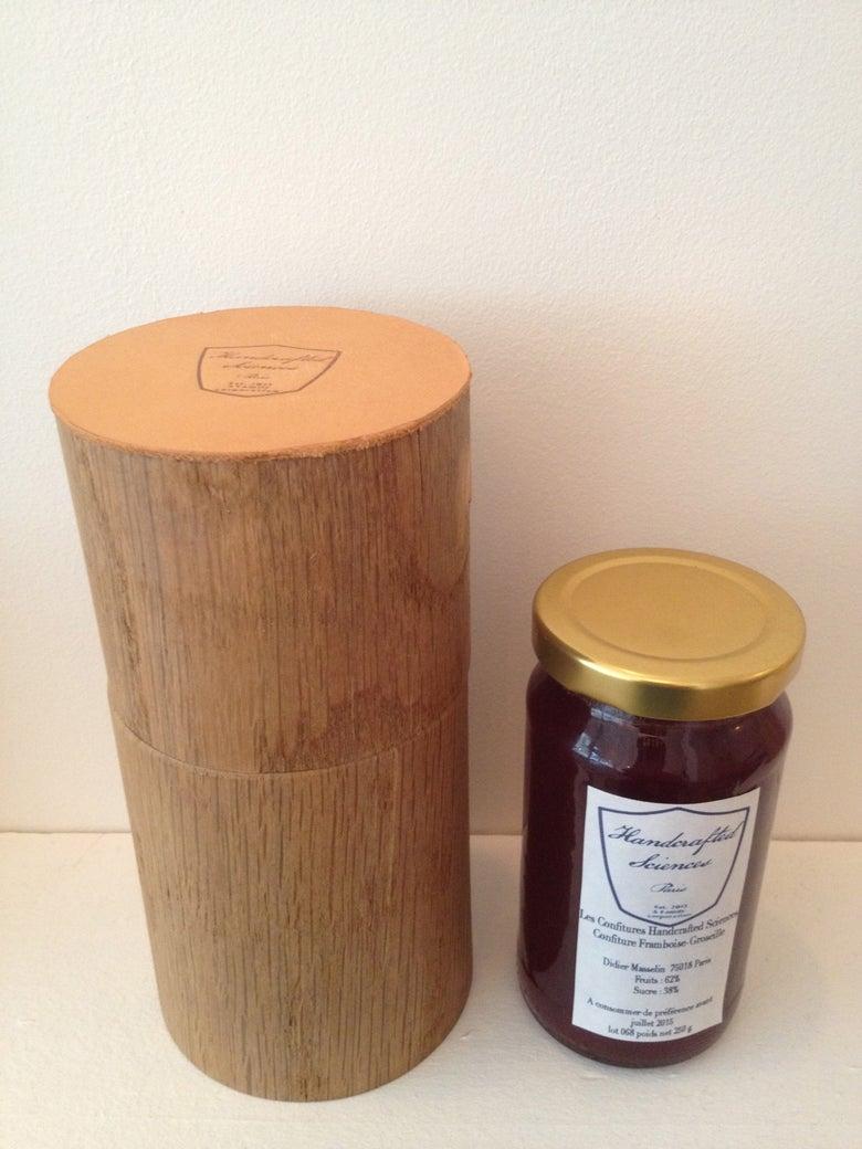Image of confiture et boite en bois/cuir