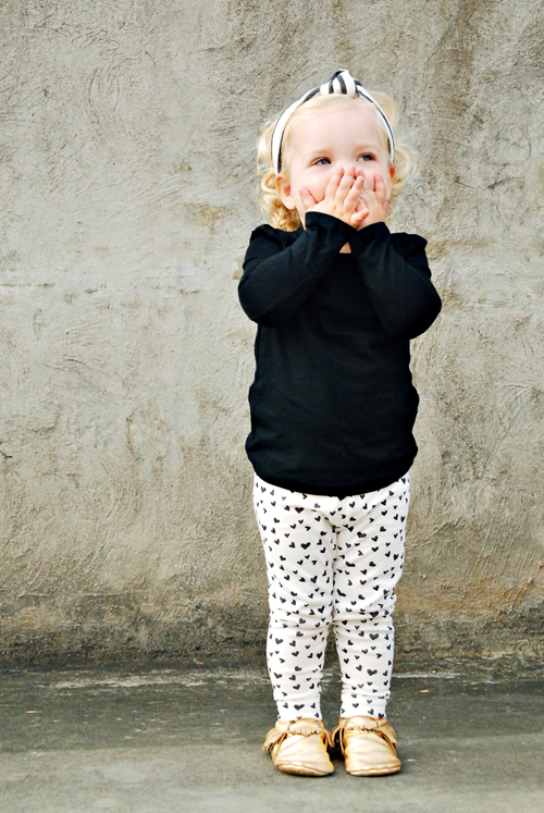 Image of ORGANIC COTTON Black + White MINI HEART CUFFED LEGGINGS