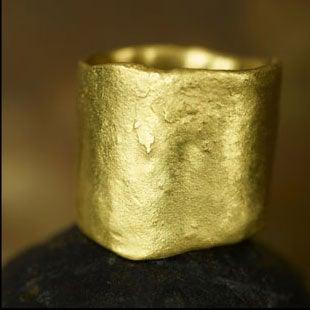Image of 22K Rough Ring With or Without Diamonds