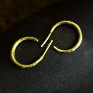 Image of 22K Tapered Hoops