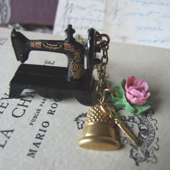 """Image of """"SEW MUCH TO DO"""" Quirky Sewing Machine Necklace"""