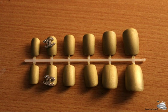 Image of Diamante matte gold false nail set