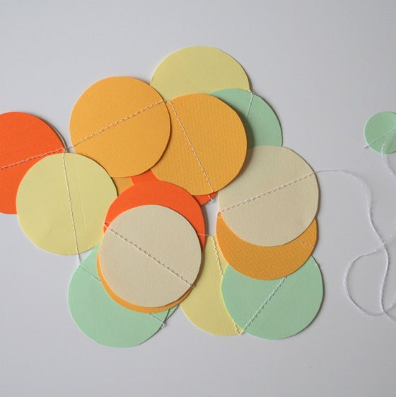 Image of Fresh Mix Circle Paper Garland (SALE 30%)