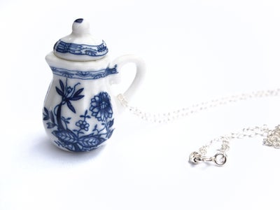 Image of blue willow tea pot necklace