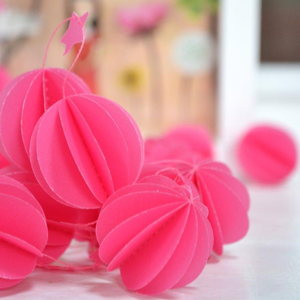 Image of Guirlande sphères rose orchidée