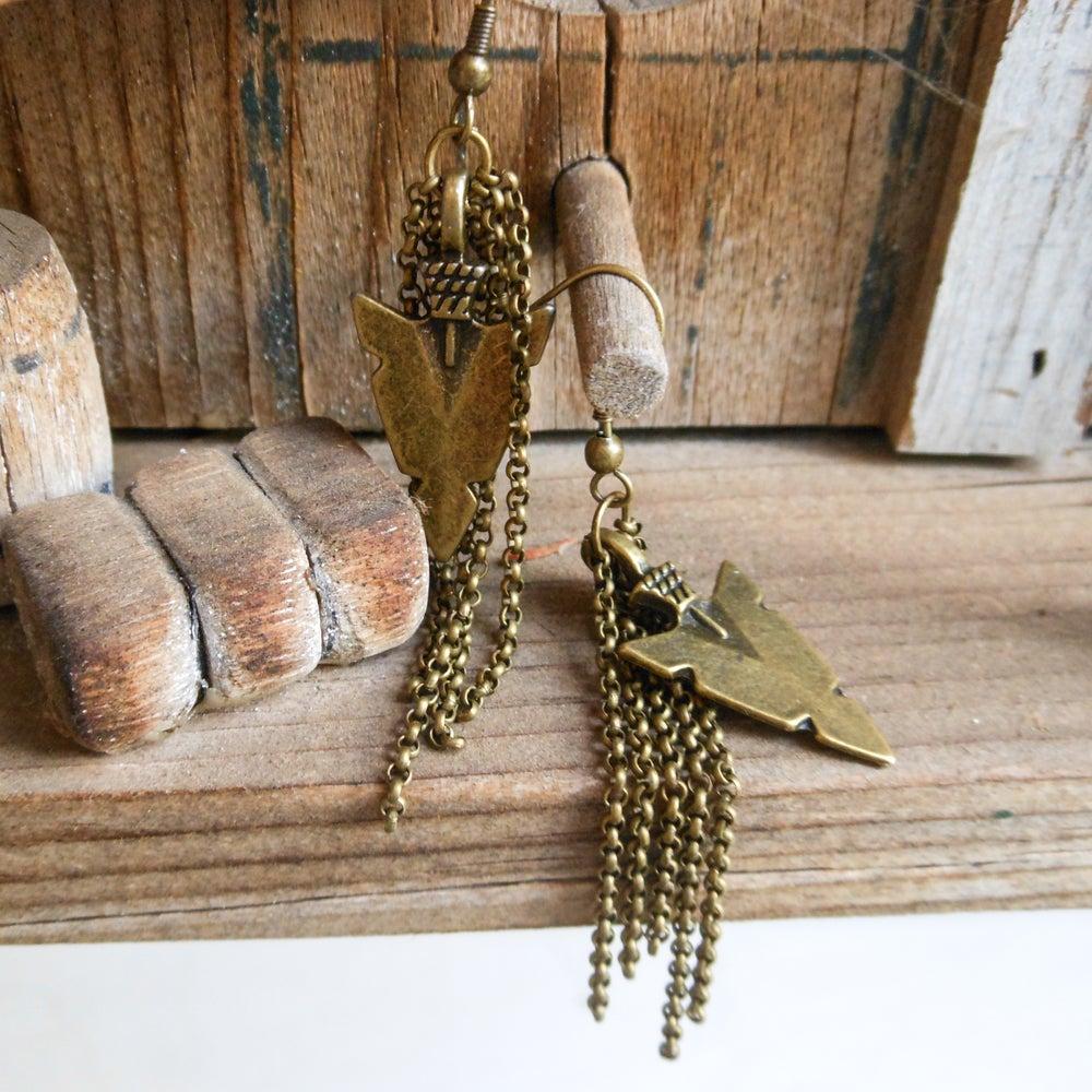 Image of Golden arrowhead ear rings