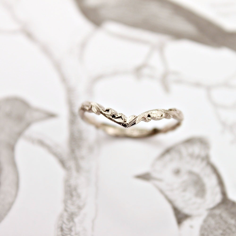 Image of *NEW* 18ct white gold 2mm floral carved 'Wishbone'