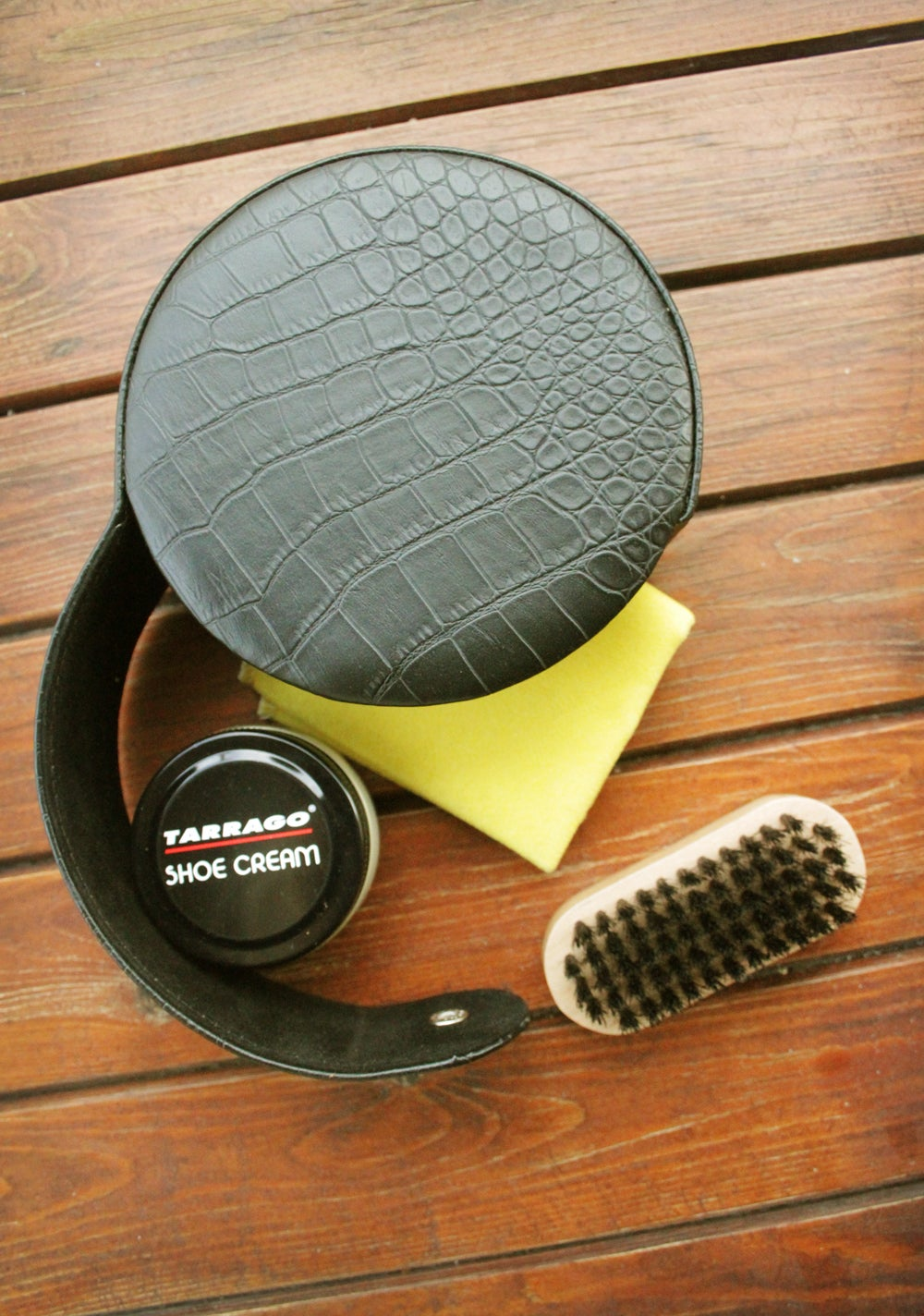 Image of Shoe care kit with leather case