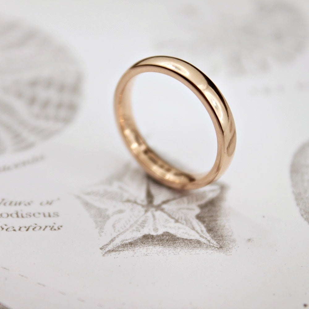 Image of 18ct rose gold 3mm plain court