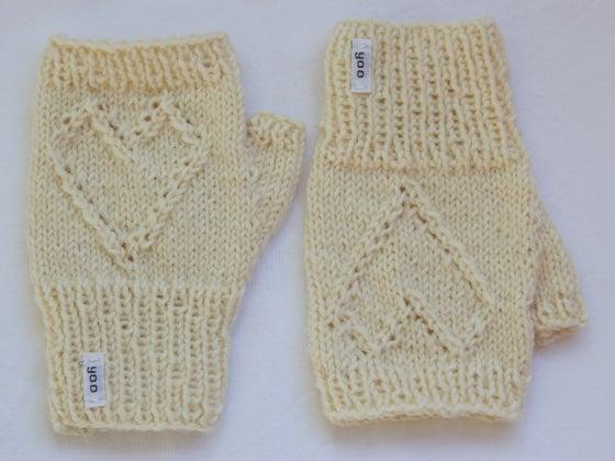 Image of ハートの指なし手袋/sydän kynsikkäät