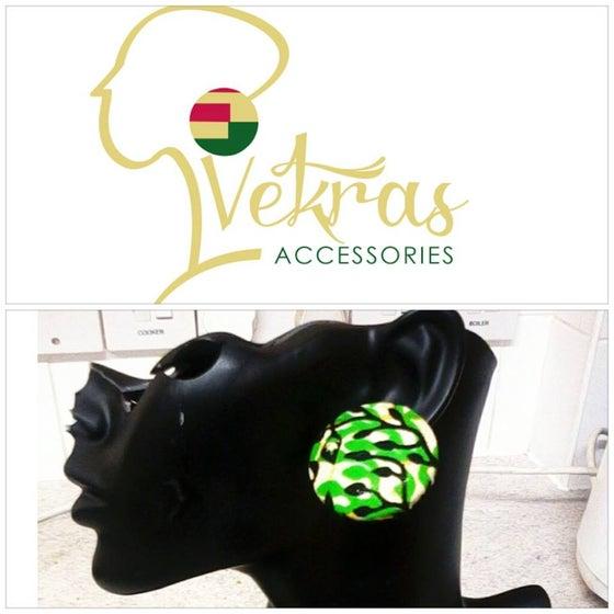 Image of Vekras Spring Green Large Stud Earrings
