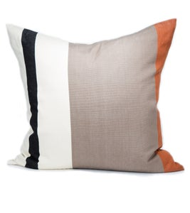 Image of OTTI PILLOW black/white/cognac