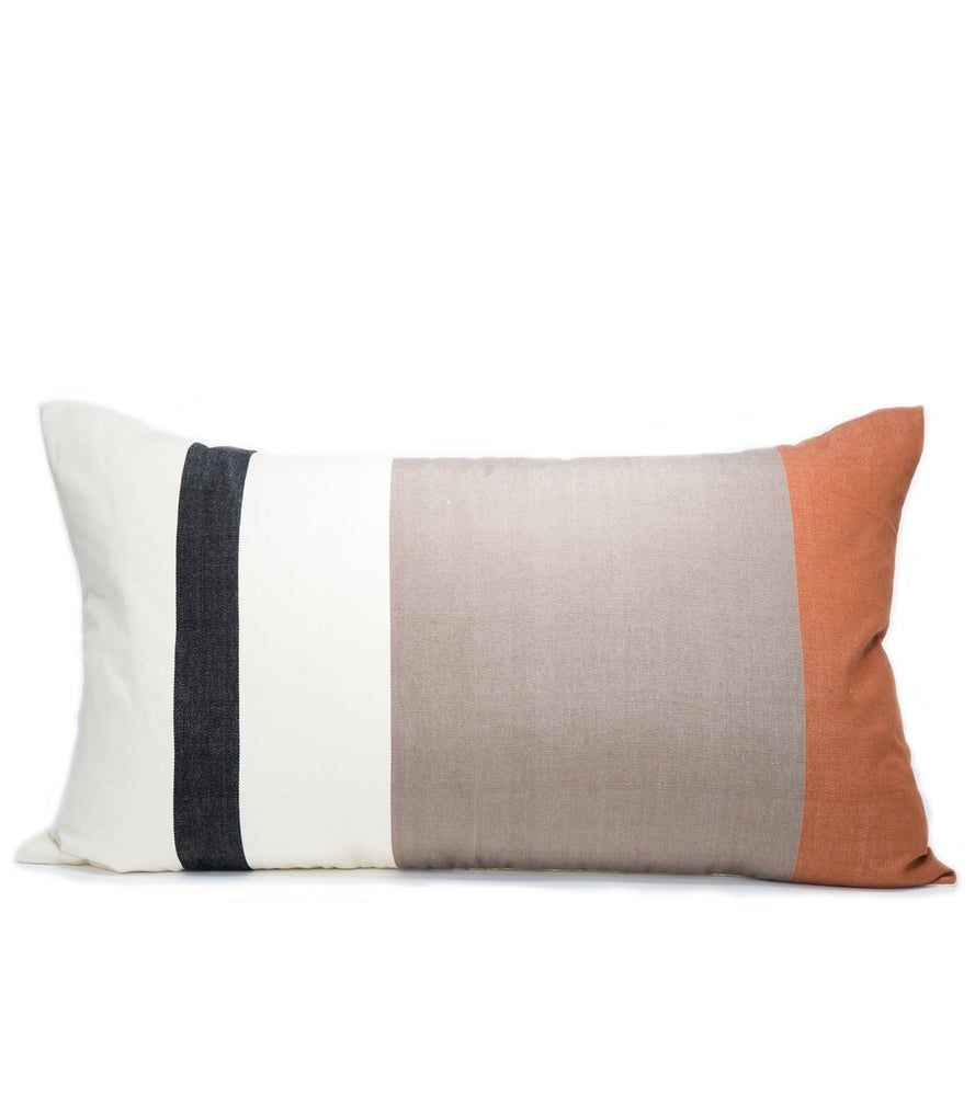 Image of OTTI PILLOW black/white/cognac 17X30