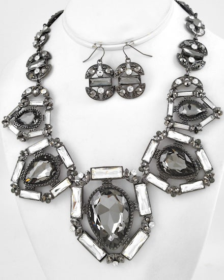 Image of Reine Statement Necklace
