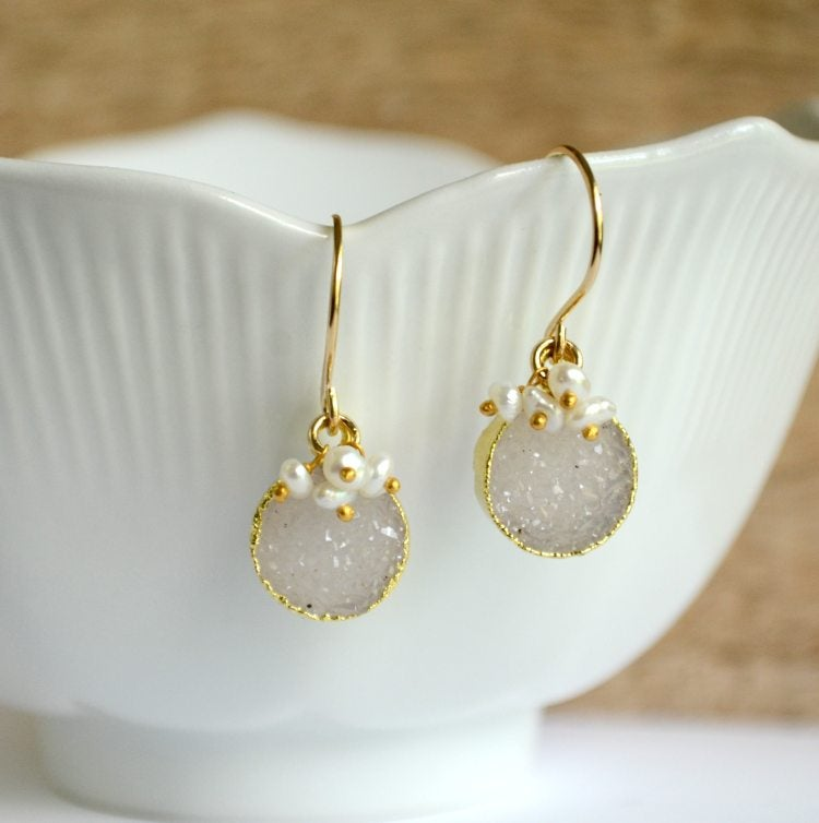 Image of Round druzy earrings with pearls