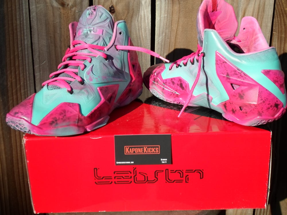 Image of Lebron XI sz. 11.5 South Beach