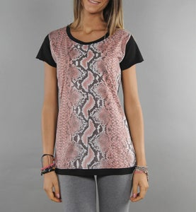 Image of COMING SOON - BIGWIG T-shirt donna rosa con stampa effetto Snake Python