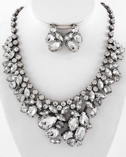 Image of Crystal Wreath Necklace
