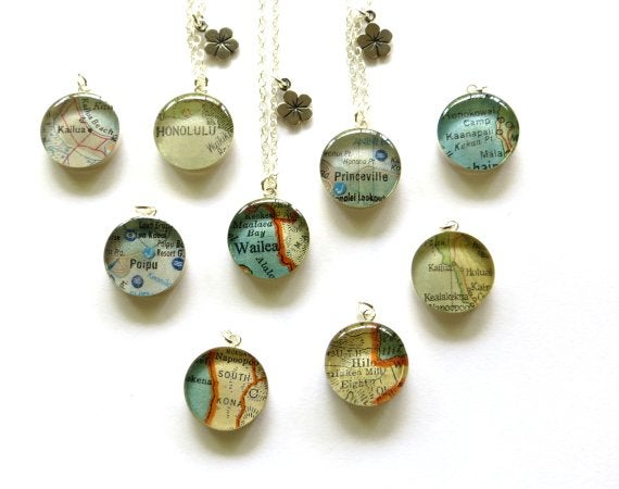 Image of Hawaii map necklace