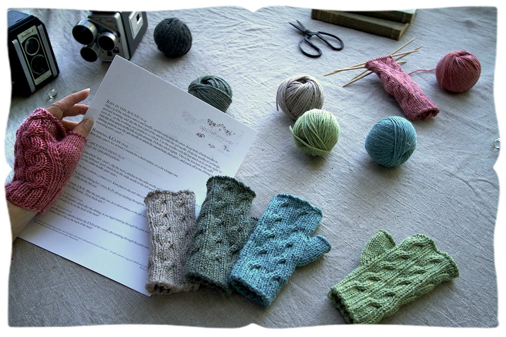 Image of handwarmer pattern with knitting lessons