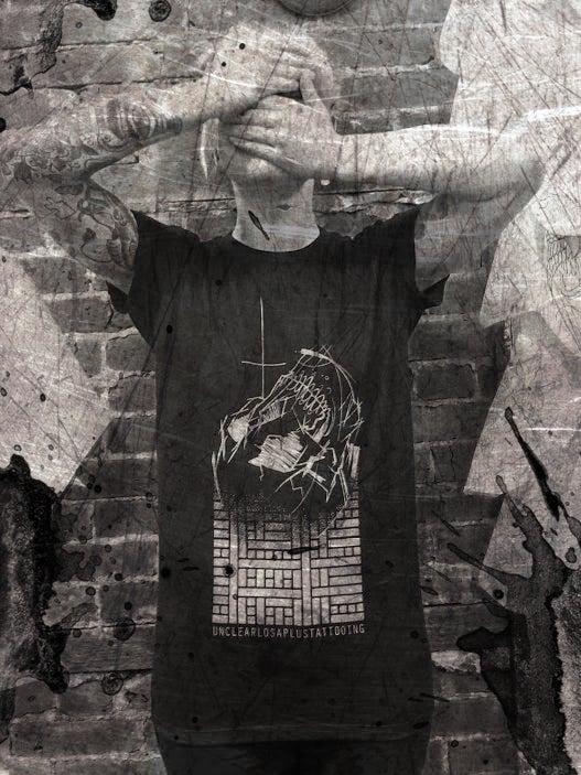 Image of Skull shirt