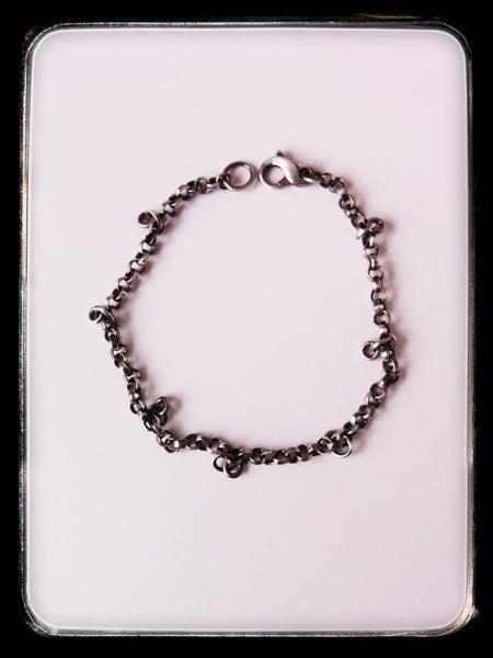 Image of loop bracelet
