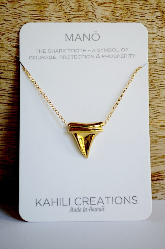 Image of Shark Tooth Necklace Gold