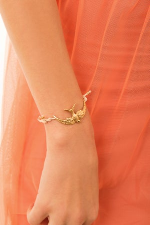 Image of medium swallow friendship bracelet