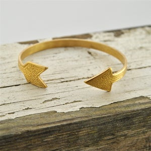 Image of K'aa' - Vintage Brass Arrow Bangle Bracelet
