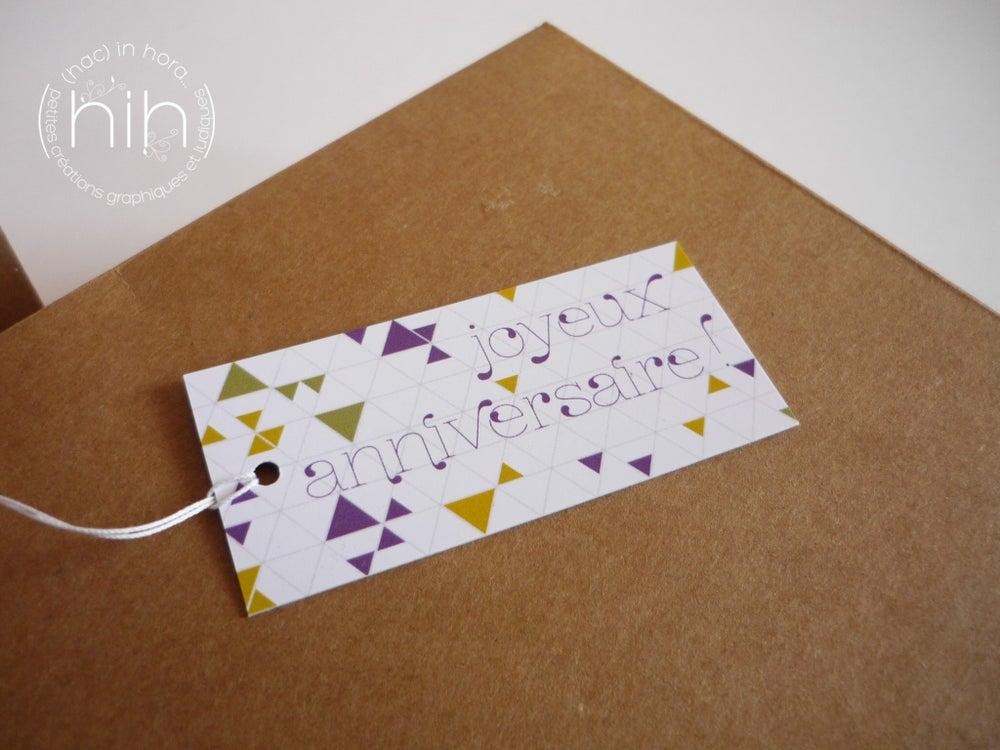 Image of 6 étiquettes cadeau ▲triangolini▲ 'joyeux anniversaire!'
