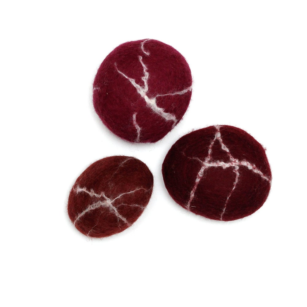 "Image of FELTED STONES | ""Wine"""