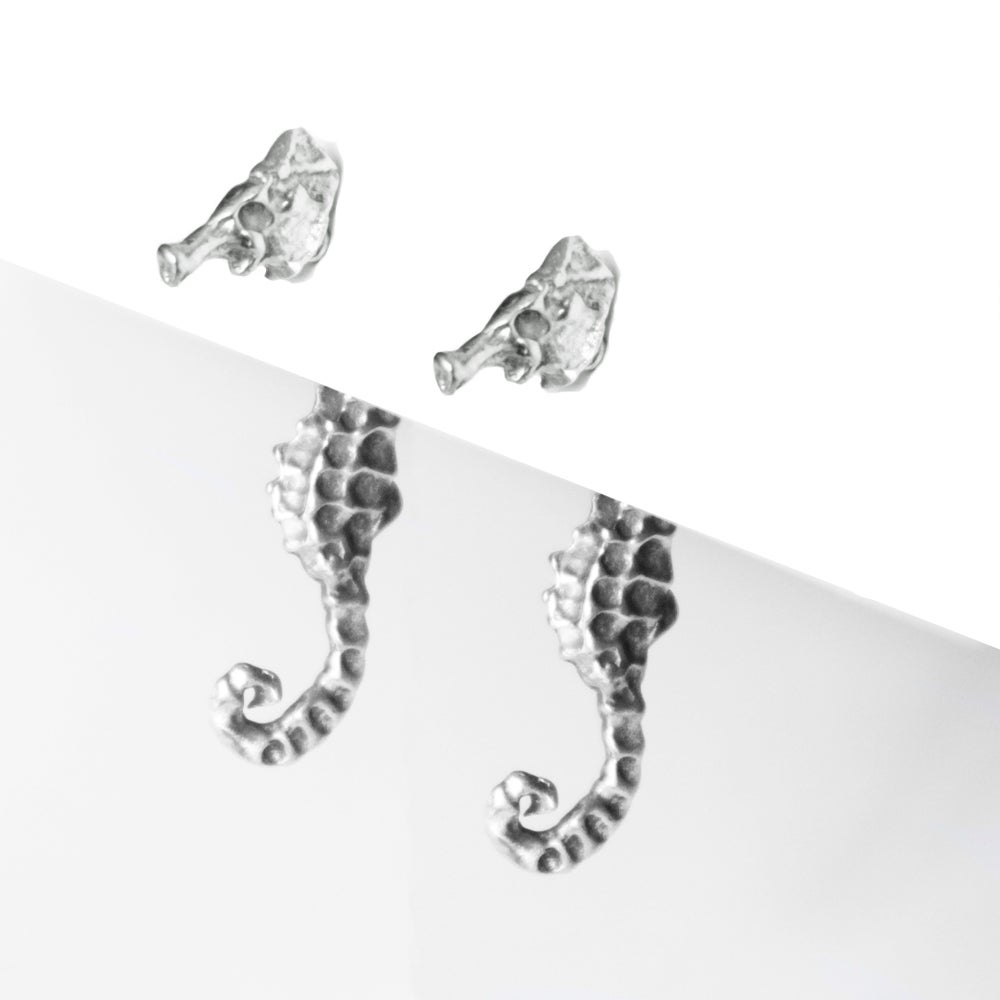 Image of Seahorse Illusion Earrings