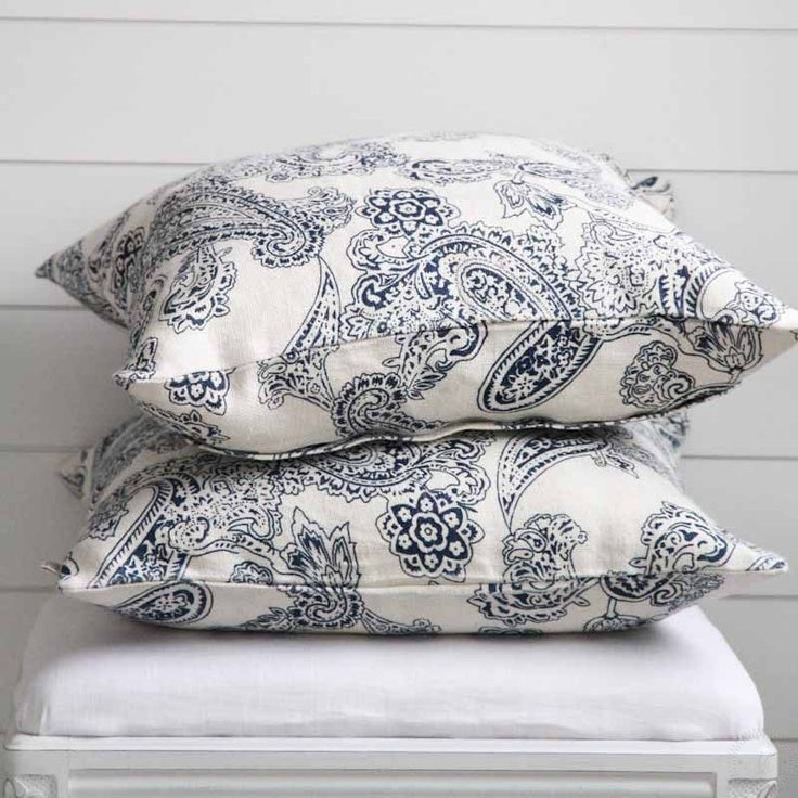 Image of Chhatwal & Jonsson Linen Pillow - Old Paisley