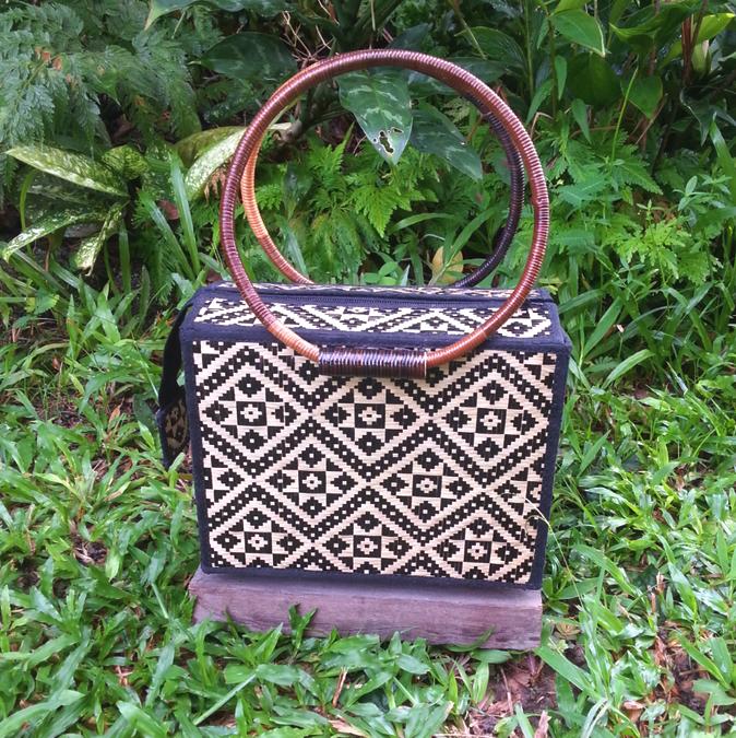 Image of Anya Woven Box Bag