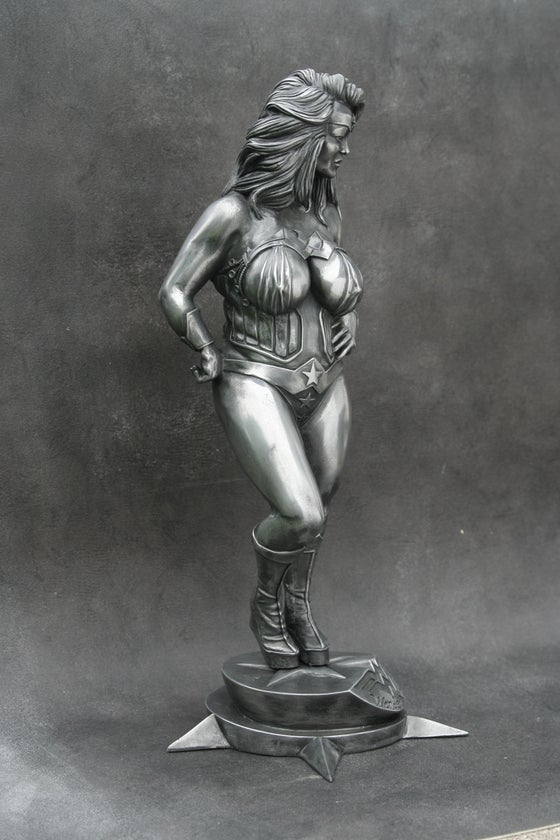 Image of Wonder FULL Woman METAL