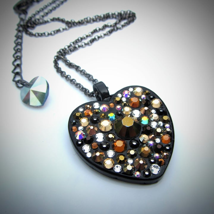 Image of Metal Rocks Bronze Black Heart Pendant